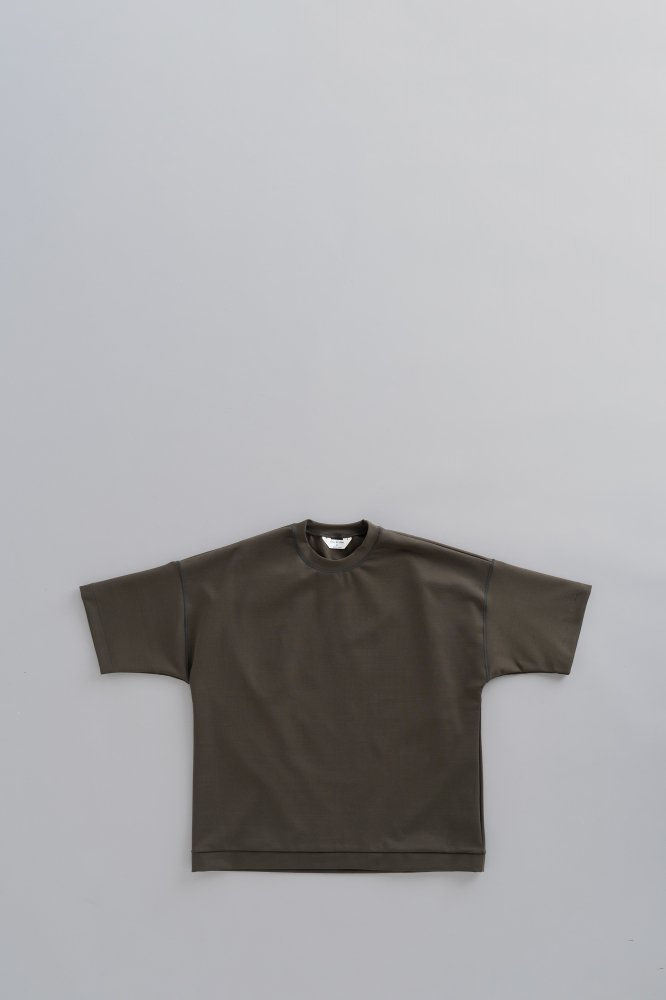 STILL BY HAND Crew Neck Punch T (Charcoal)