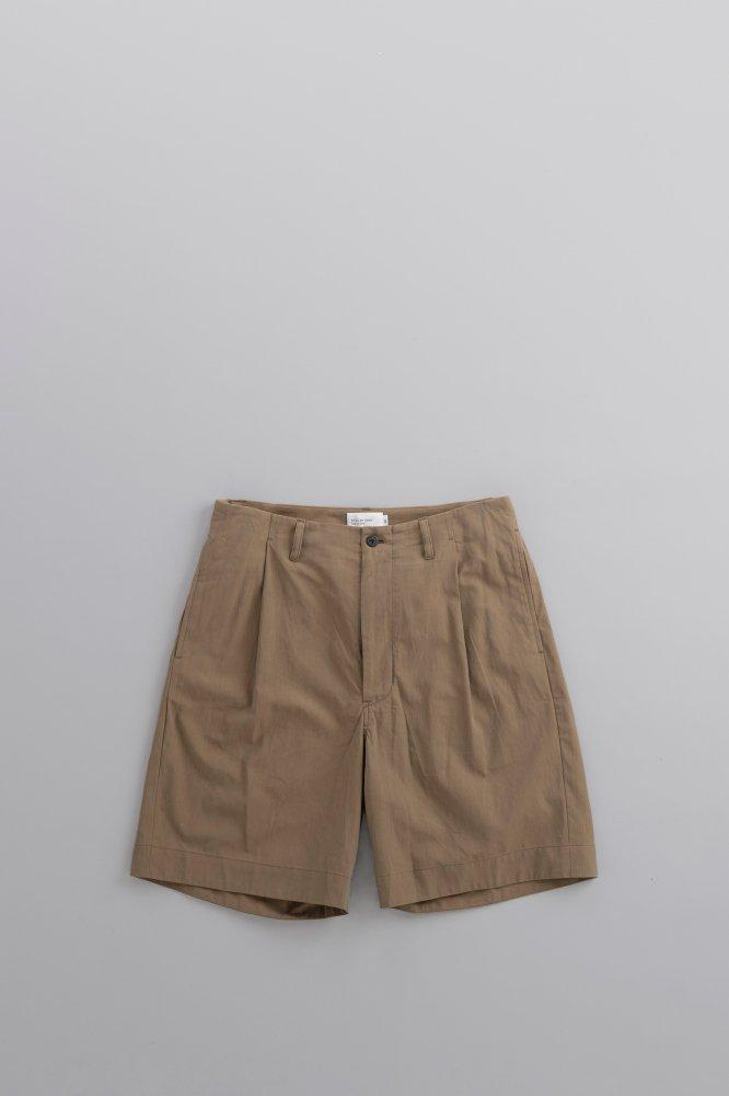 STILL BY HAND  100/2 Burberry 1-Tuck Shorts (Khaki)