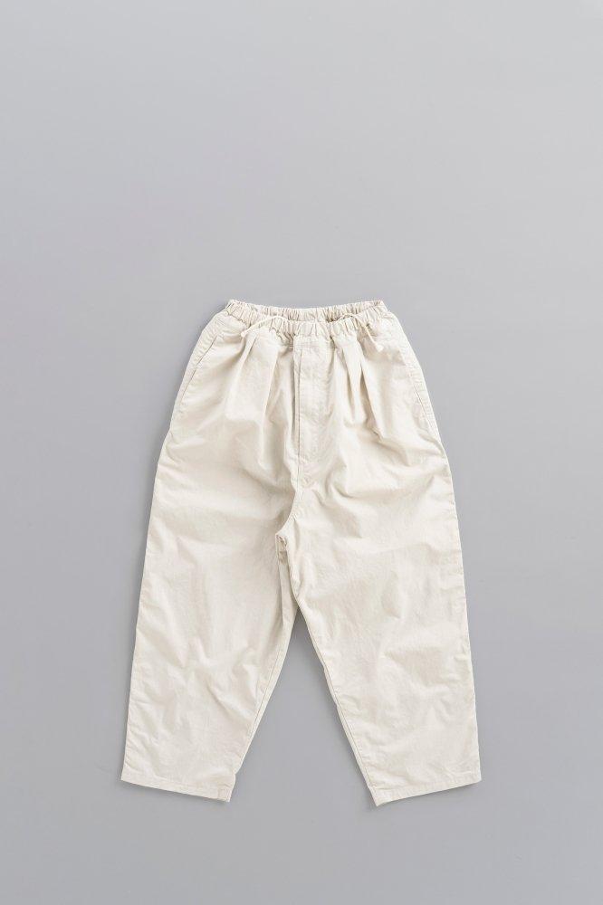 Ordinary fits ♀Narrow Ball Pants (Off)