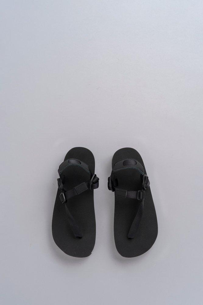 ERA. TAPE BAREFOOT SANDAL (BLACK)