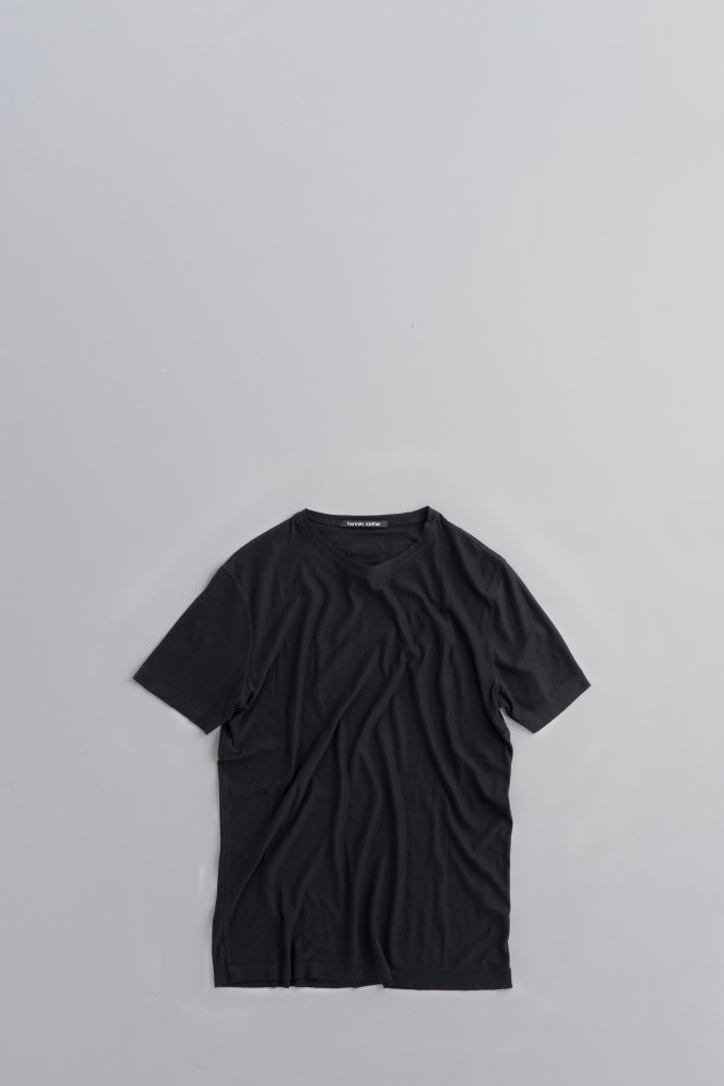 hannes roether  S/S Pullover (Black)