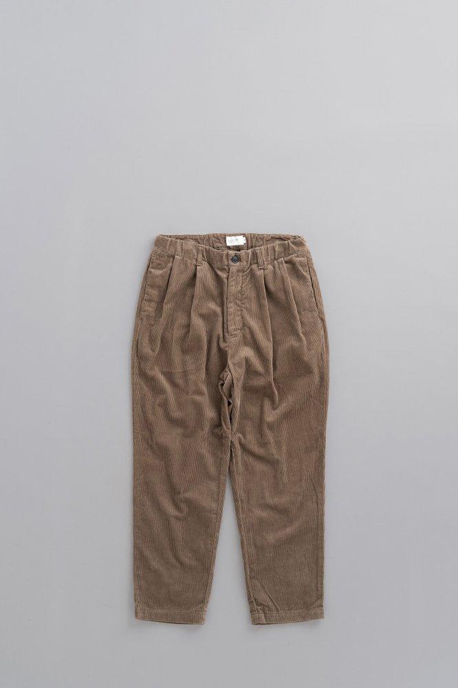 STILL BY HAND 8 Wale Corduroy Pants (Greige)