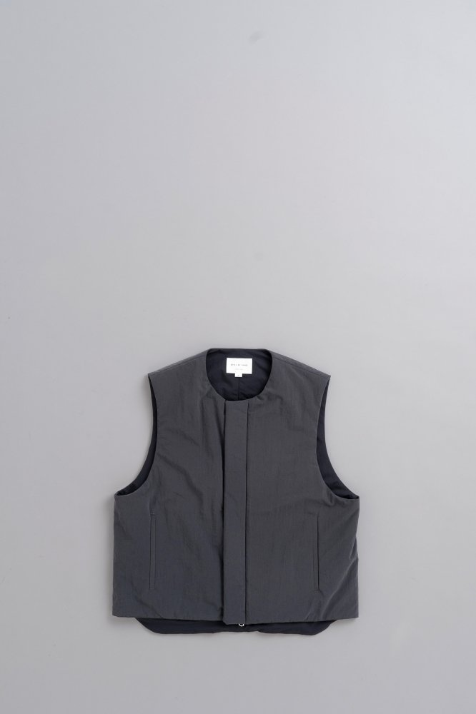 STILL BY HAND Thinsulate Vest (Ink Black)