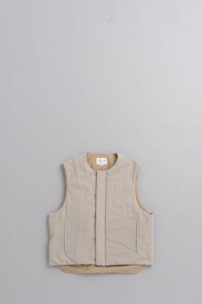 STILL BY HAND Thinsulate Vest (Beige)