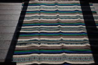 <img class='new_mark_img1' src='https://img.shop-pro.jp/img/new/icons58.gif' style='border:none;display:inline;margin:0px;padding:0px;width:auto;' />WOOL RUG green*blue L<br />FABRICA ALENTEJANA DE LANIFICIOS