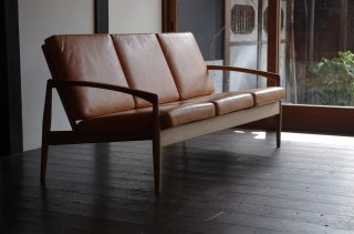 Paper Knife Sofa 3s - Kai Kristiansen<br />Japanese oak oiled leather