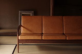 Paper Knife Sofa 3s - Kai Kristiansen<br />walnut oiled leather