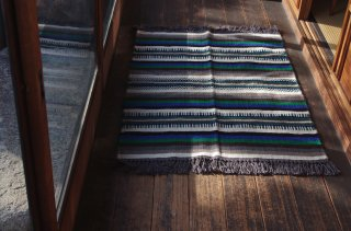 <img class='new_mark_img1' src='https://img.shop-pro.jp/img/new/icons47.gif' style='border:none;display:inline;margin:0px;padding:0px;width:auto;' />WOOL RUG green*blue S<br />FABRICA ALENTEJANA DE LANIFICIOS