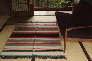 <img class='new_mark_img1' src='https://img.shop-pro.jp/img/new/icons58.gif' style='border:none;display:inline;margin:0px;padding:0px;width:auto;' />WOOL RUG red L<br />FABRICA ALENTEJANA DE LANIFICIOS